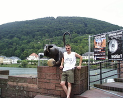 #62 Standing next to the Bridge Monkey - Heidelberg (Germany)