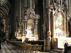 #1509 Inside Stephansdom (St. Stephen's Cathedral) - Vienna (Austria)