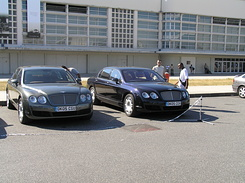 #1651 Bentley Continental Flying Spur (DK05CGU / DK05CGV)