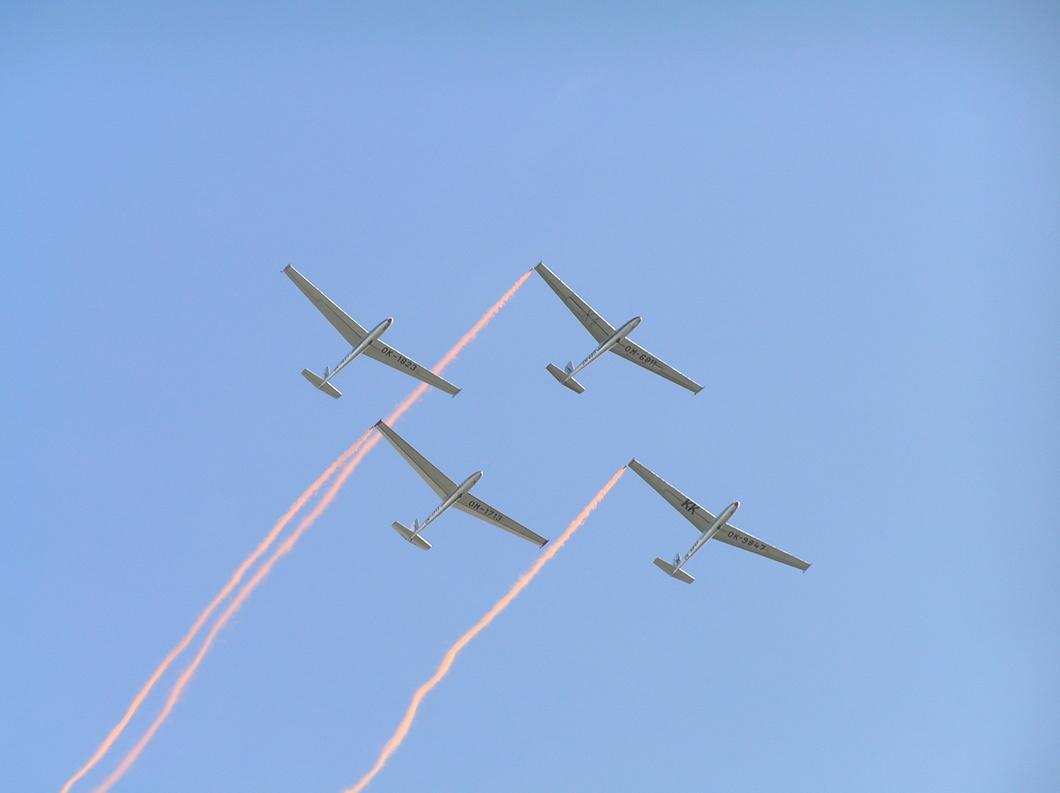 20050910-119 Private - Let L-13 Blanik (glider) formation at Brno CZ.jpg