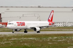#3614 TAM Airlines - Airbus A321-211SL (D-AVXW / PT-XPD / MSN 6632)