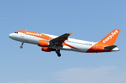 #4818 EasyJet Airline - Airbus A320-214 (G-EZTD)