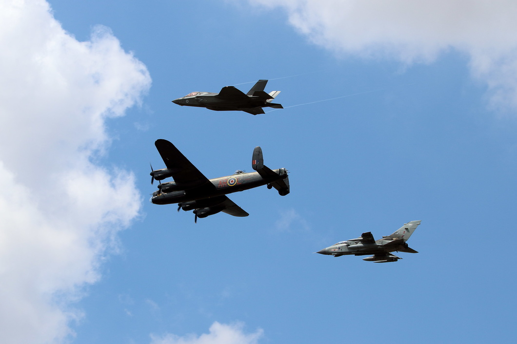 #5300 Royal Air Force - Formation of Tornado / Lancaster / F-35B