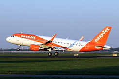 #5561 EasyJet Airline -  Airbus A320-214SL (G-EZRY)