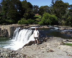 #632 Matthijs at Haruru Falls (New Zealand)