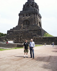 #1013 Matthijs and Jo at the Monument - Leipzig (Germany)