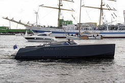 #1384 Dutch VanDutch 40 Powerboat (Sail Amsterdam 2010)
