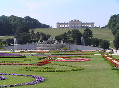 #1446 Schloss Schönbrunn Gloriette seen from the garden - Vienna (Austria)