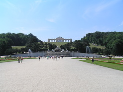 #1447 Schloss Schönbrunn Gloriette seen from the garden - Vienna (Austria)