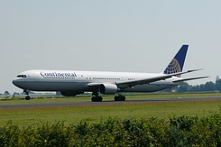 #2580 Continental Airlines - Boeing 767-424ER (N76054)