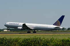 #2581 Continental Airlines - Boeing 767-424ER (N76054)