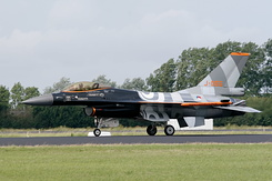 #3045 Royal Netherlands Air Force - General Dynamics F-16AM (J-055)