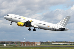 #4178 Vueling Airlines - Airbus A320-216 (EC-KJD)