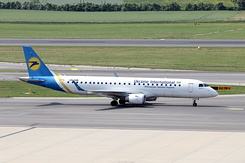 #4425 Ukraine International Airlines - Embraer 190STD (UR-EMB)