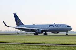 #4632 United Airlines - Boeing 767-322ER (N649UA)
