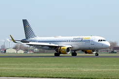 #4691 Vueling Airlines - Airbus A320-214SL (EC-LVP)