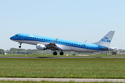 #4715 KLM Cityhopper - Embraer 175STD (PH-EXT)
