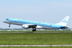 #4797 KLM Cityhopper - Embraer 190STD (PH-EXC)