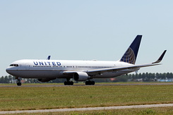 #5084 United Airlines - Boeing 767-322ER (N657UA)