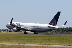 #5085 United Airlines - Boeing 767-322ER (N657UA)