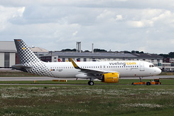#5591 Vueling Airlines - Airbus A320-271N (D-AUAG / EC-NDC / MSN 8945)