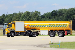 #5703 RNLAF - Volvo FM 410 Airport Refueler Unit (DM-909-D)