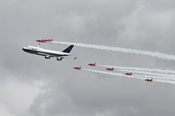 #6181 British Airways - Boeing 747 in formation with RAF Red Arrows