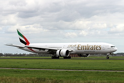 #6427 Emirates - Boeing 777-31H/ER (A6-EPC)